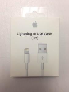 apple ライトニングUSBケーブル(iPhone5,5s,6)
