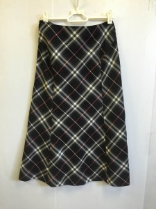 バーバリーロンドン スカート 婦人服 高価買取り